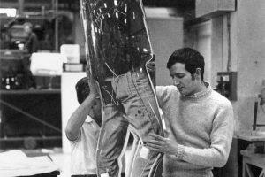 Darío Villalba trabajando en su estudio, 1973. Fotografía: David Seaton